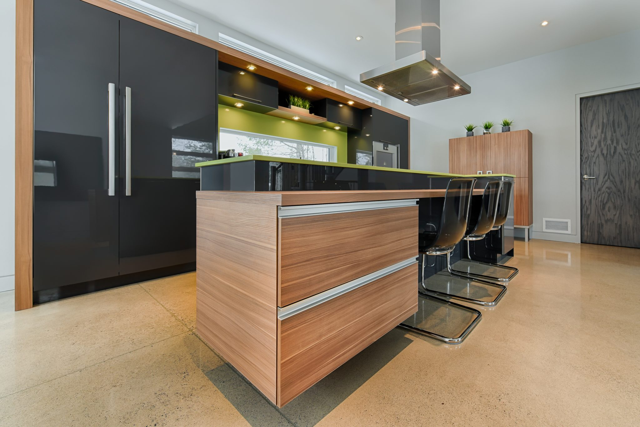Lacquer or Paint for Kitchen Cabinets? | Bespoke furniture ...